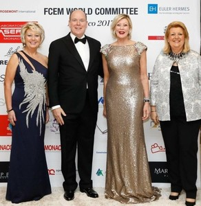 Marie-Christine Oghly with Albert II Prince of Monaco, Laura Frati Gucci, previous World President and Joelle Baccialon, President of  the FCEM Monaco branch.